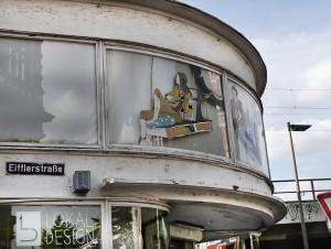 Straßenszene Schanzenviertel; Schulterblatt Ecke Eifflerstraße LokalDesign Möbelgeschäft