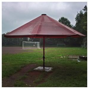 ein Regenschutz beim UHC Hamburg (Uhlenhorster Hockey-Club)