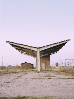 verlassene Bahnstation im Osten von Deutschland
